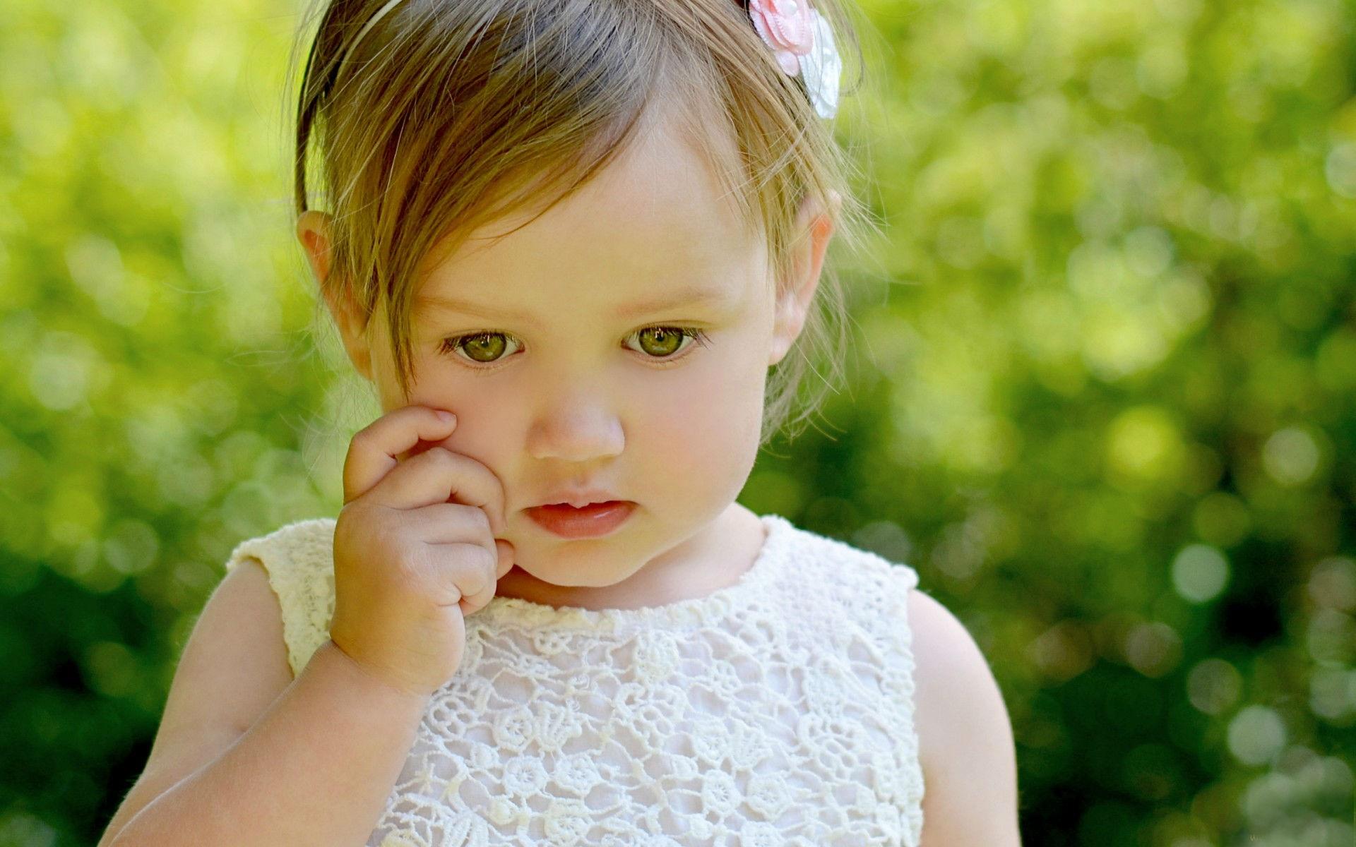 Cute Boy Crying Wallpaper صور اطفال بنات صغيرة مواليد في خلفيات بنات بجودة Hd سوبر