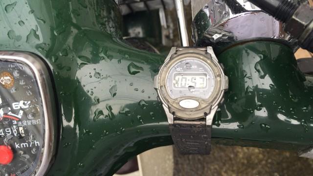 100均腕時計の防水