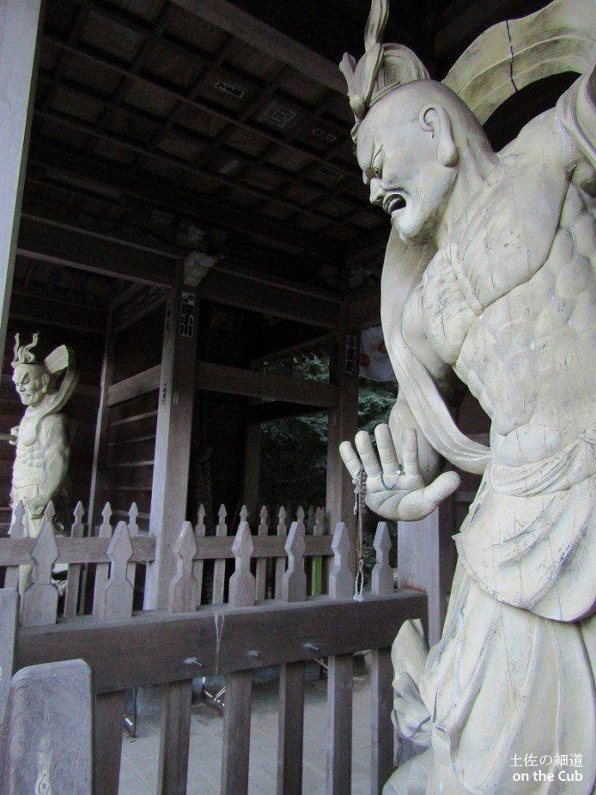 仙遊寺の仁王様