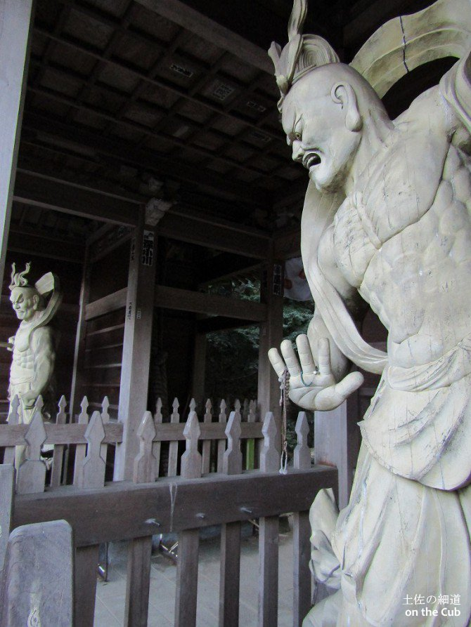 仙遊寺の仁王様かっこ良すぎ