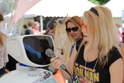У робота берут интервью