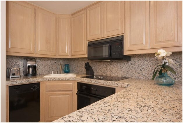 How To Keep Clean Quartz Countertops In Your Kitchen