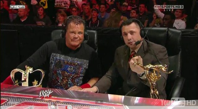 "Jerry ""The King"" Lawler y Michael Cole (RAW 2011)"