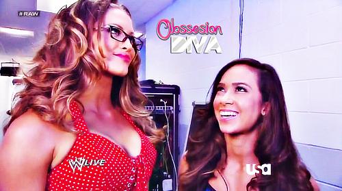 WWE Divas: Eve Torres y AJ / WWE TV