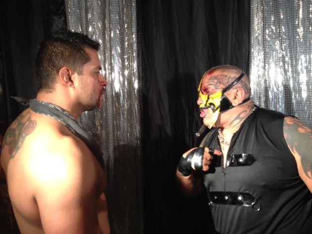 Máscara Año 2000 Jr. y Pirata Morgan, tras participar en la Prisión Fatal / Arena Naucalpan - 17 de marzo de 2013 / Photo by Tercera Caída en Facebook