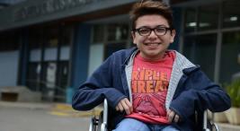 Alex Vázquez, estudiante con discapacidad motora