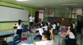 Escuela de Grecia celebra el Dia Mundial del Agua2