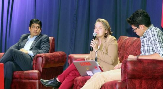 Conversatorio de la FEUNA con Carlos Alvaradoo