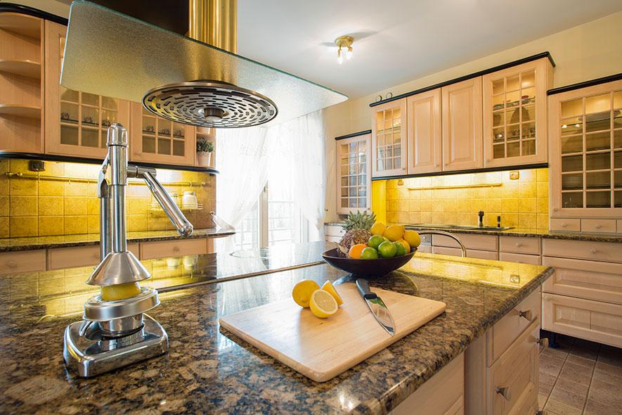 10\u0027 x 10\u0027 Kitchen Remodel Cost and Your Options - SurdusRemodeling