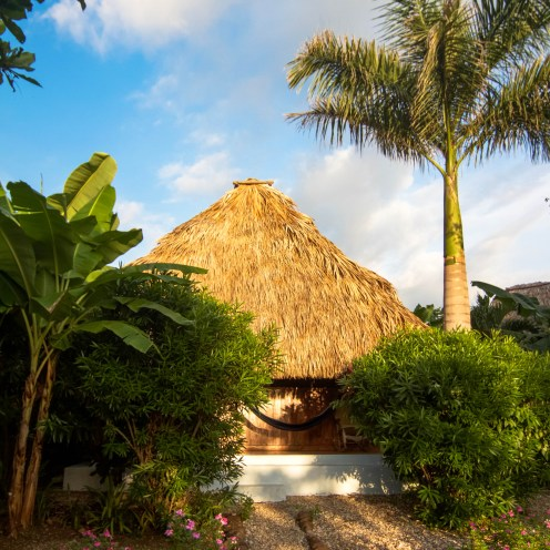 A cute thatched-roof cabana.