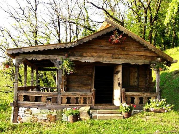 despre-case-din-lemn-vechi-mester-Danut-Hotea-case-rustice-din-lemn-15