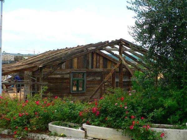 despre-case-din-lemn-vechi-mester-Danut-Hotea-case-rustice-din-lemn-8
