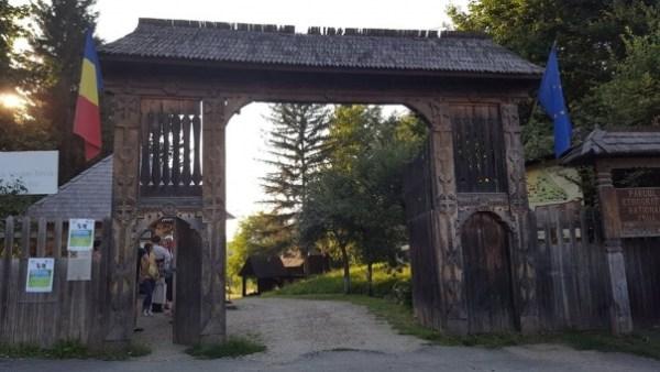 O noapte in muzeu - evenimentul Muzeului Etnografic al Transilvaniei, o experienta inedita traita intr-o sura traditionala