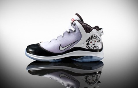 Nike Lebron VII 7 P.S.(POP) Lebron James