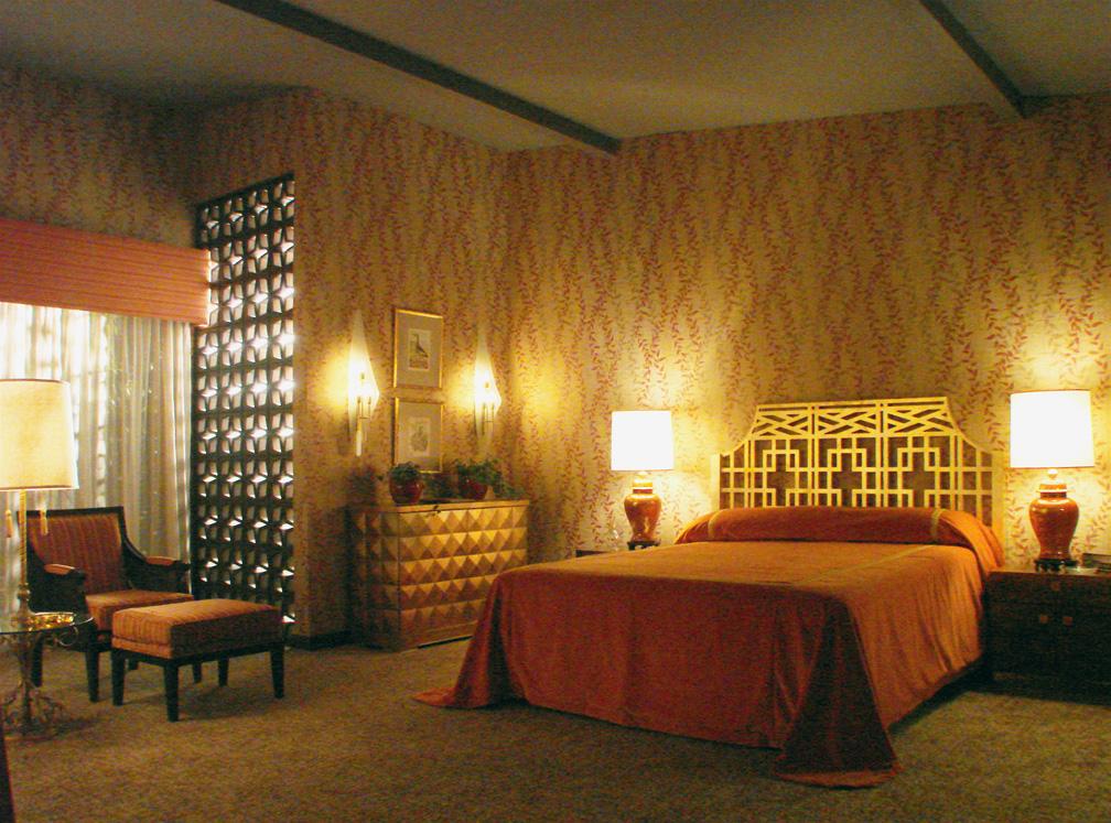 3Hilton Bedroom