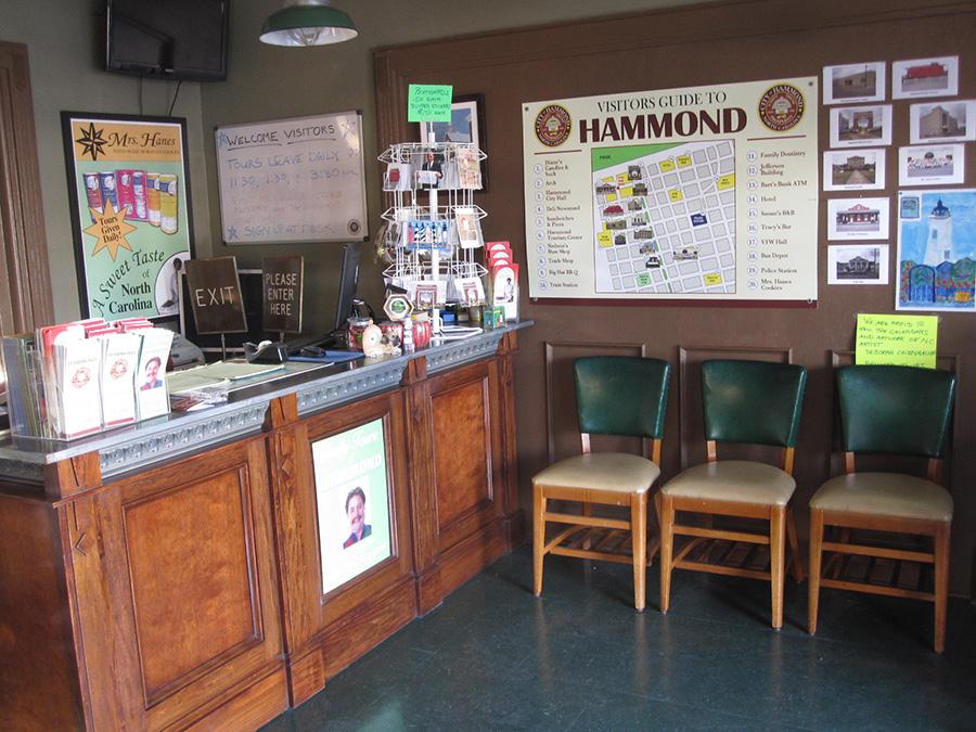 17HammondTouristEntry
