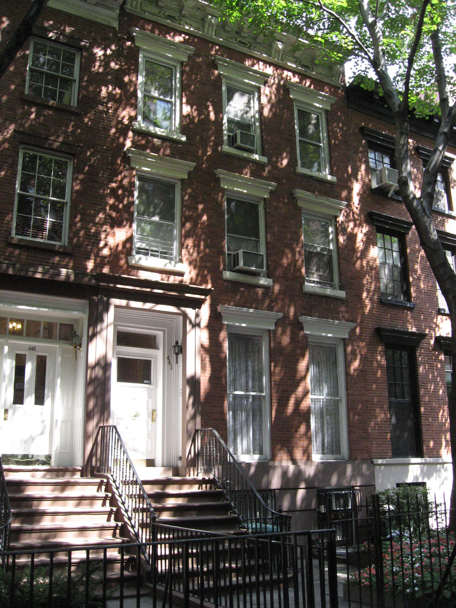 18Exterior-Brownstone