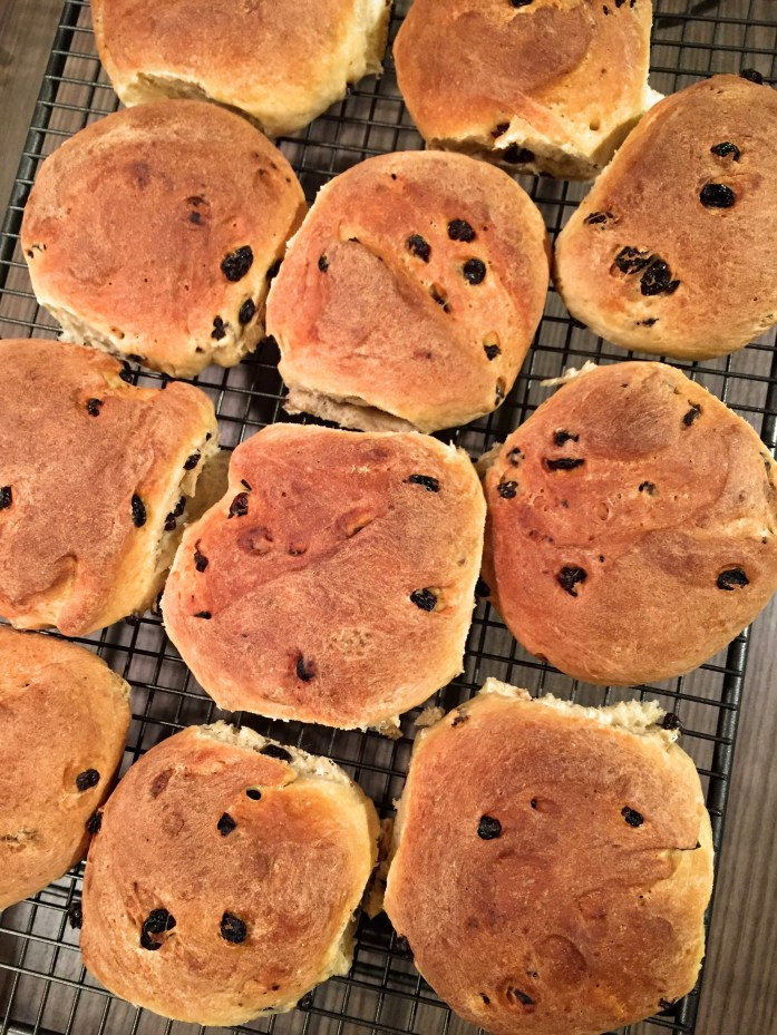 Dutch Currant Buns | Susty Meals | Sarah Irving