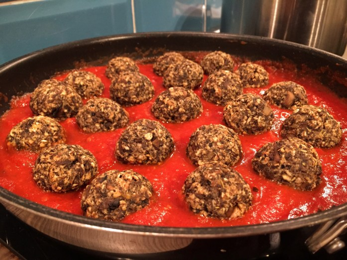 mushroom 'meatballs' in Marinara Sauce with Couscous | Vegetarian Meatball recipe | Susty Meals | Sarah Irving