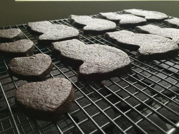 Dark Chocolate Cat Biscuits | #blackcatday | Sarah Irving | Susty Meals