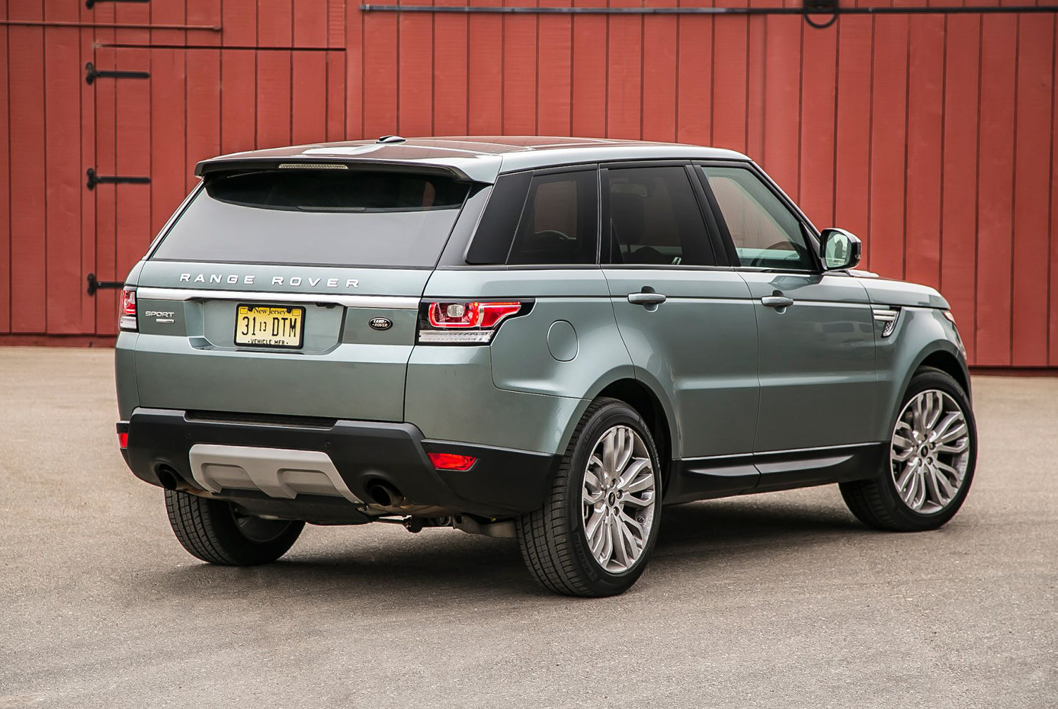 Land Rover Vs Range Rover Comparison Ford Explorer Limited 2016 Vs Land Rover