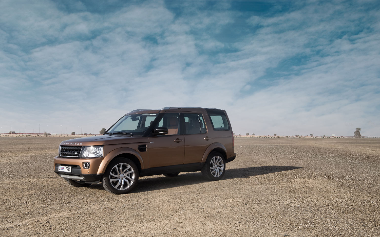 Land Rover Vs Range Rover Comparison Land Rover Lr4 Suv 2015 Vs Land Rover