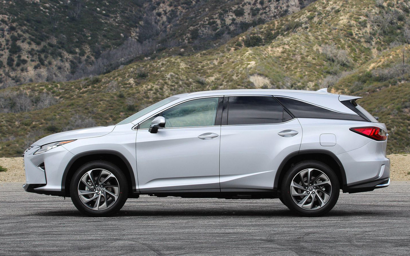 Lexus Suv 2018 Comparison Lexus Rx 350l Luxury 2018 Vs Acura Mdx