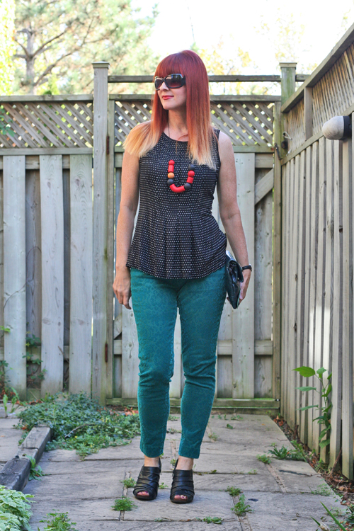 how to wear a bold statement necklace suzanne carillo