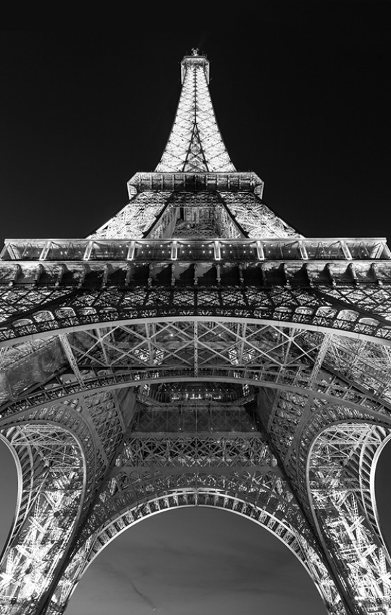 Eiffel Tower b&w