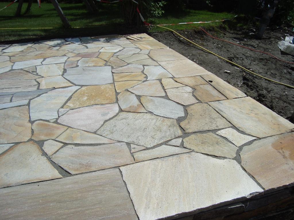 Terrasse Bauen Steinplatten Moderner Sichtschutz Im Garten News