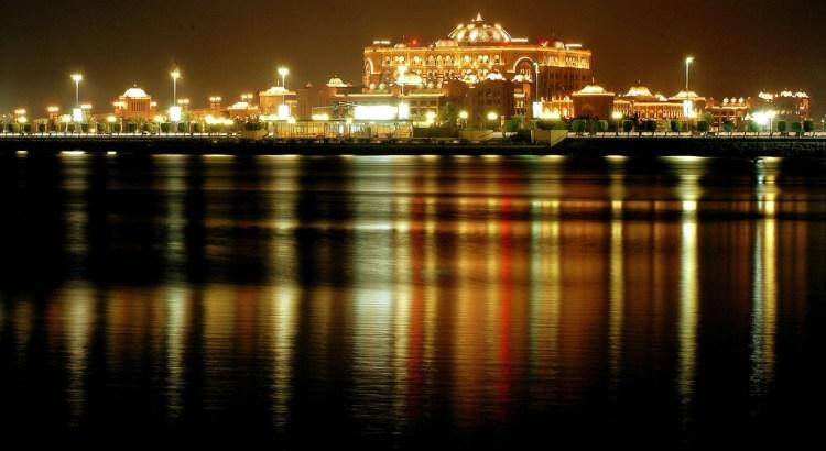 Emirates Palace, Abu Dhabi, UAE, Featured Image, Credit Flickr, At night
