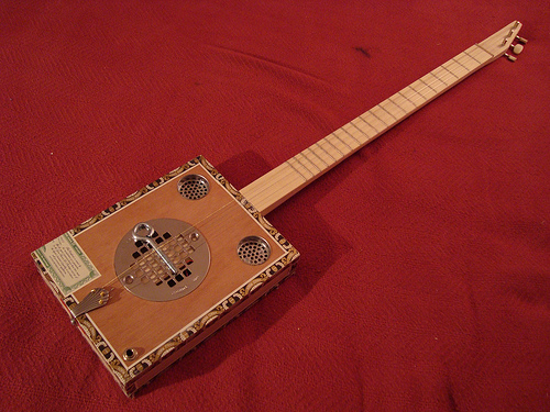Cigar Box Guitar - dictation practice