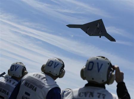 米海軍の最新無人機が空母から初発艦、司令官「歴史の節目」