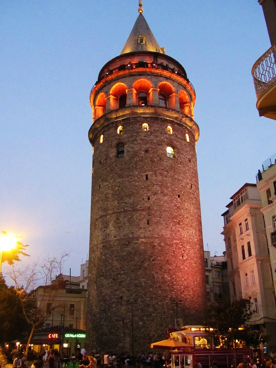 Blog 5 - Turkey - Istanbul -  Galata Tower - At Night