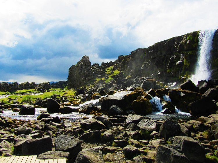 Iceland - 8 Bingvellir - Waterfall