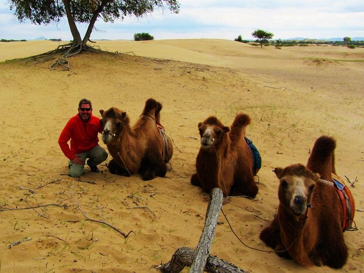mongolia-5-elsen-tasarkhai-camels