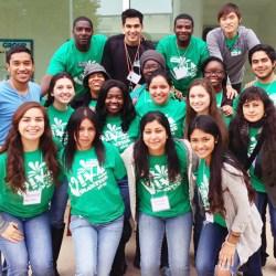 student-volunteers-700-2013-11