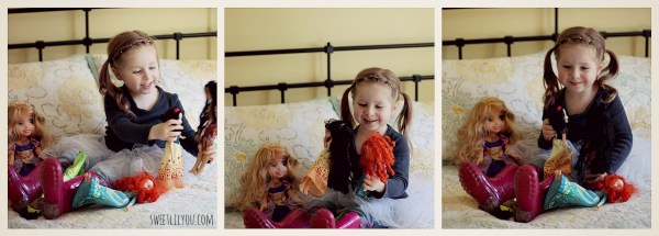 plaing with dolls