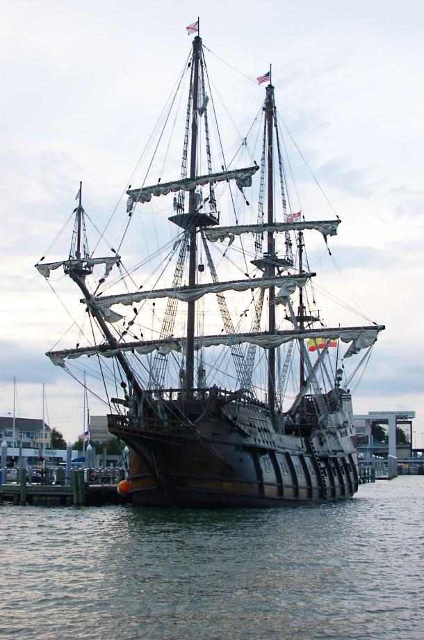 charleston pirate ship