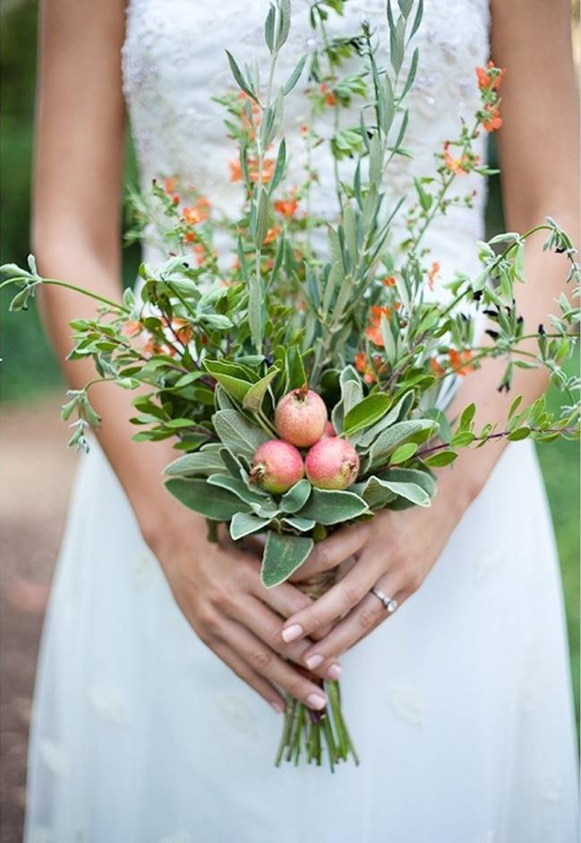 apple and herb wedding bouquet