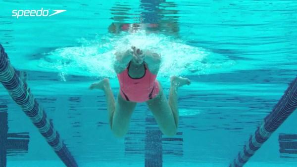 トップ選手の平泳ぎのストローク