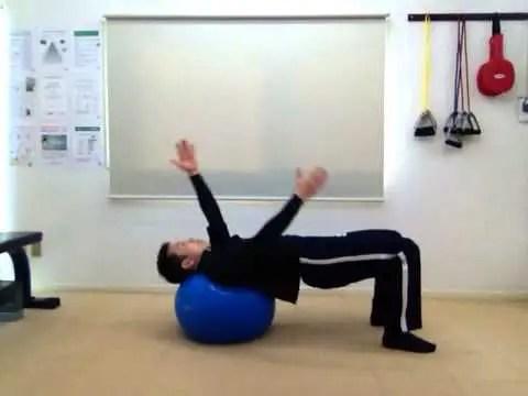 身体を温めながら肩の柔軟性を高めよう