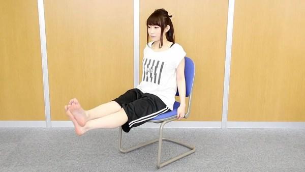 仕事中にも鍛えたい人向け、座ったままでのエクササイズ