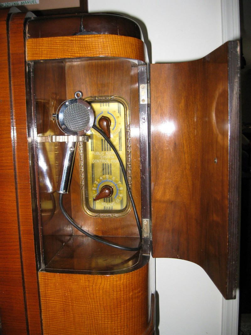 Crosley Radio The Crosley Radio Corporation S 1936 Wlw Model Super Power Radio