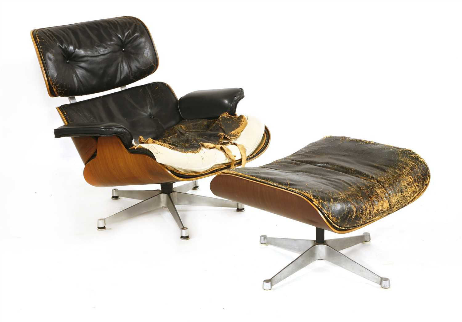 Charles Eames Lounge Chair Lot 423 - A 670 And 671 Lounge Chair And Ottoman,