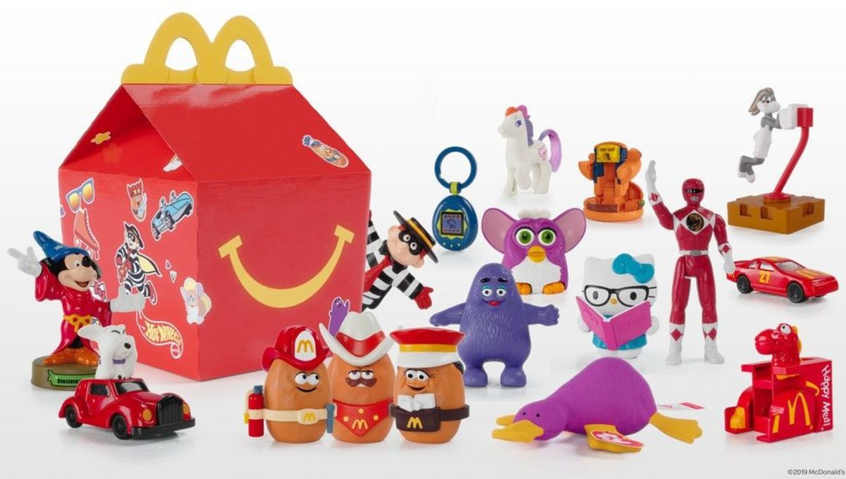 Toy Story Toys Vintage Mcdonald S Brings Back Happy Meals And Hello Kitty Is Terrifying