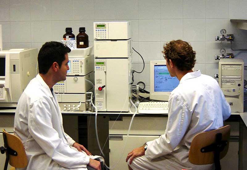 El Tribunal del Consejo Andaluz de Farmacéuticos concede las becas 2015 para investigación y tesis doctorales
