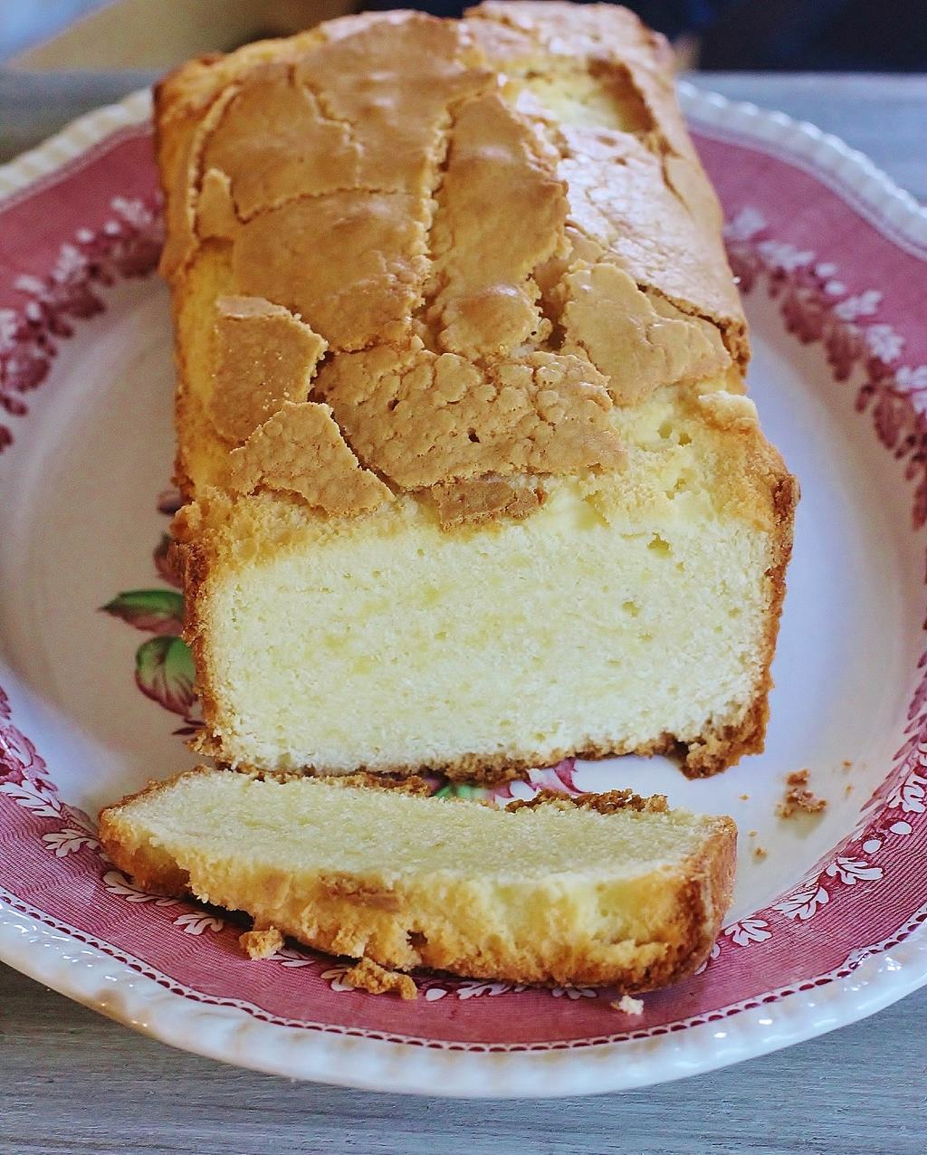 Buttermilk Pound Cake. Old fashioned taste and a moist, dense texture ...