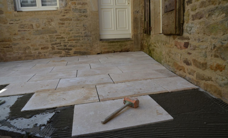 Dalle Exterieur A Coller Comment Installer Des Dalles De Terrasse En Les Collant