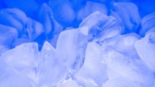製氷機の掃除方法!お酢で水垢や雑菌が超簡単キレイ【ソレダメ】